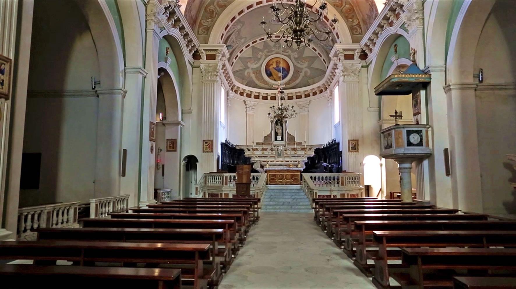 interno Cattedrale San Pietro Tempio Pausania